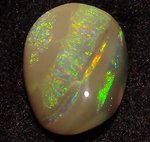 9,02ct. GEM CLASS BLACK OPAL BRIGHT GOLDEN-GREEN-BLUE STRIPES